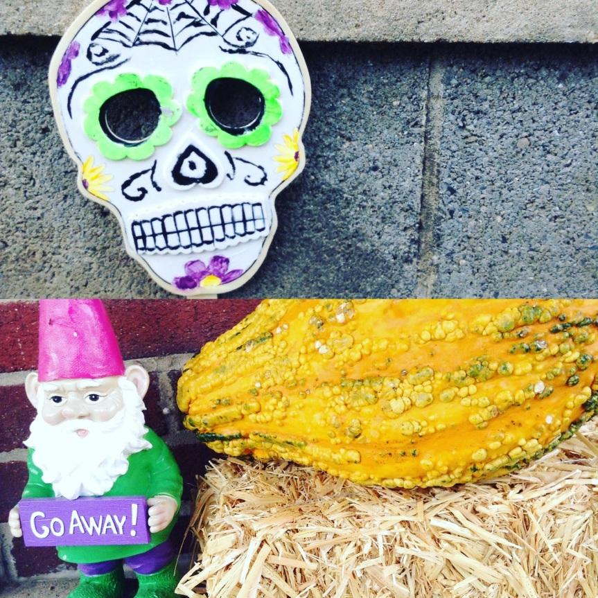 Sampling of my Halloween outdoor decorations